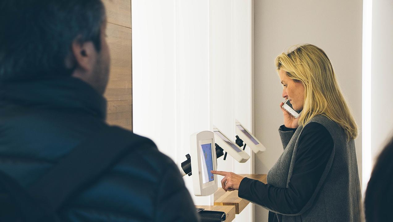 Ordering kiosk, multi-task friendly