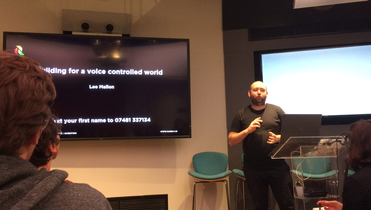 Lee Mallon speaking at the Mobile UX event