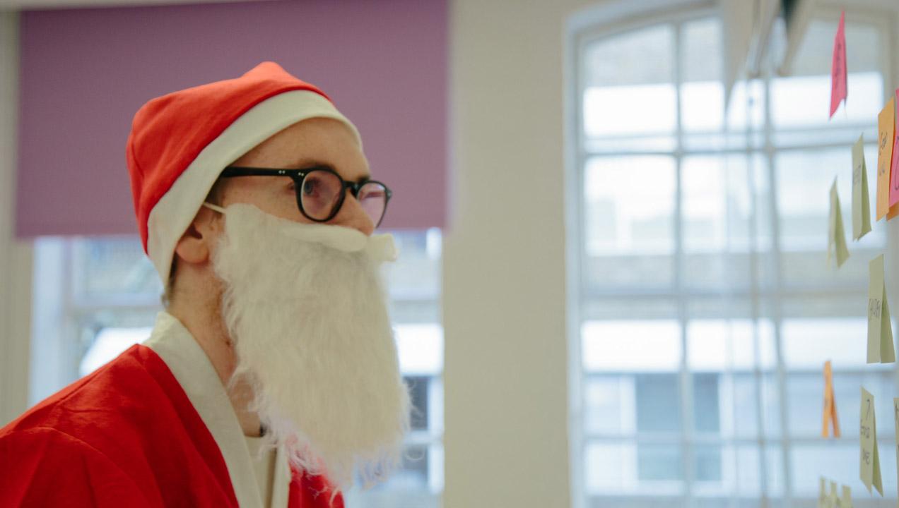 Simon the Santa Clause post-it noting